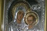 Η Ιερή αργυρή εικόνα  της Παναγίας μας με το θείο βρέφος